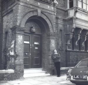 Alberto de Lacerda, Tite Street, London