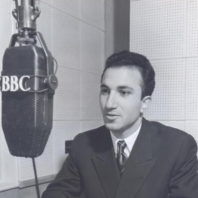Alberto de Lacerda as a BBC announcer, 1952