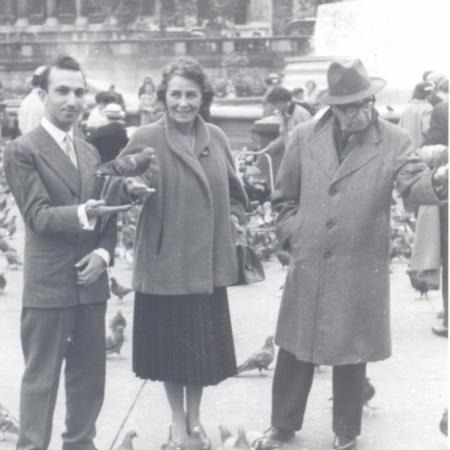 With Maria de Lourdes Heitor de Sousa and Manuel Bandeira, Trafalgar Square, 1957