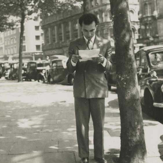 Alberto de Lacerda, Sloane Square, London, 1952