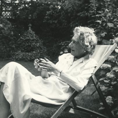 Nora Wydenbruck, London, 1955